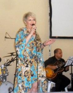 La jazzista Sonia Alfonso deleitó con su talento.